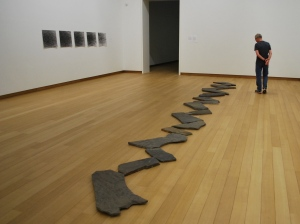 Richard Long: 17 Stones in a Line